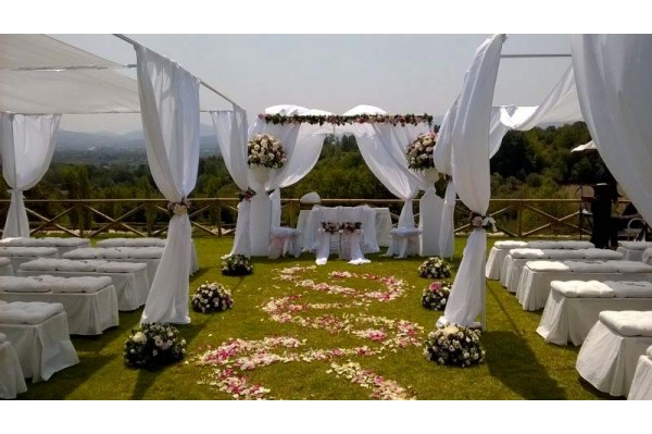 gazebo matrimonio all'aperto